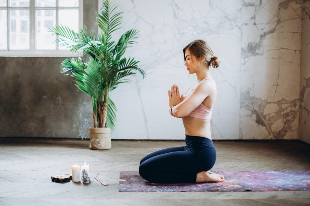 tips of meditation in hindi