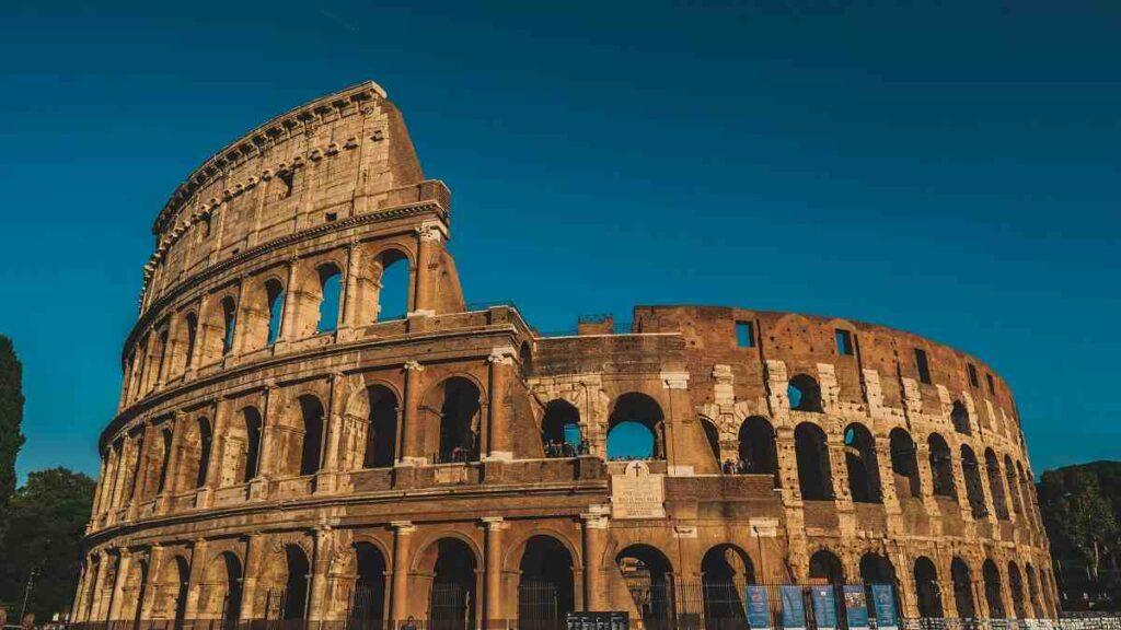 Colosseum-in-hindi